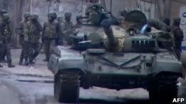 Сирия: танки обстреливают пригороды Дамаска