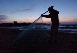 Херсонские рыбаки пригрозили перекрыть судоходные проливы Приазовья