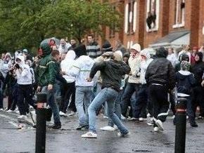 В Северной Ирландии полиция разогнала католиков водометами
