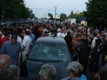 Жители Житомира устроили самосуд над майором ГАИ, сбившем двух студентов