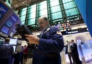 Мировые фондовые индексы упали, золото дорожает