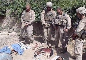 Морпехи, надругавшиеся над телами талибов, получили лишь взыскания по службе