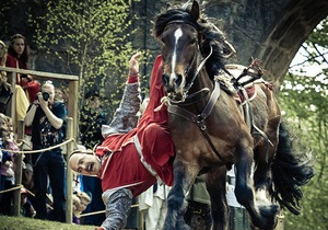 Фестиваль - новости Киева - каскадеры - Кентавры-2013 - На выходных под Киевом состоится фестиваль конных каскадеров Кентавры-2013