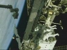 Астронавты шаттла Индевор начали второй выход в открытый космос