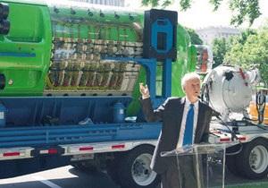 В Вашингтоне установили легендарный батискаф Deepsea Challenger