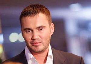 После информации об интересах в IT-бизнесе Янукович-младший займется пошлинами на авто - Ъ