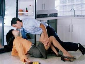 Ученые: Секс на первом свидании может навредить женщине