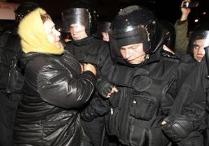 Оппозиция: Беркут ворвался в округ №197 в Каневе и украл протоколы и печать
