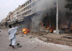 Число жертв взрыва в Пакистане достигло 30 человек