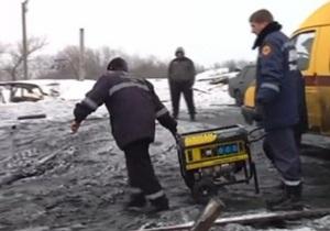 Взрыв на копанке под Енакиево: один из организаторов нелегальной шахты находится под завалами