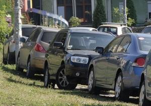 Мэрия обещает решить проблему с парковкой в столице