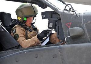 Принц Гарри с отличием окончил курсы пилотов вертолетов Апач