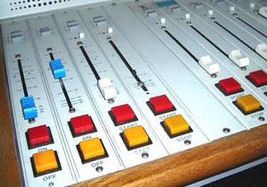 Российская прокуратура взяла под контроль запуск радиостанции Порно