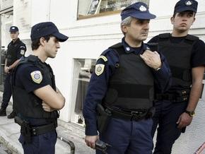 Заключенный, находясь в отпуске, захватил заложников в здании немецкой школы в Греции