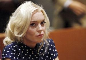 На Линдсей Лохан подали в суд: актриса сбила на Maserati женщину с младенцем