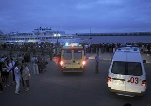 Спасатели: Внутри затонувшего теплохода Булгария находится более 100 тел погибших