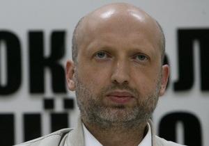 Турчинов прогнозирует скорую отставку Азарова