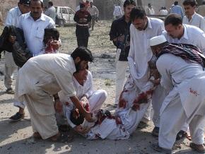 Жертвами взрыва в Пакистане стали 12 человек