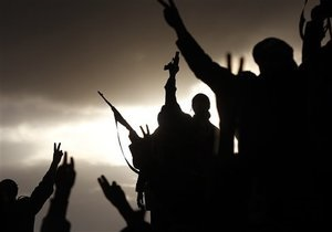 Ливийские повстанцы захватили оружейные склады