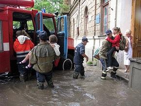 Сильный ливень затопил Евпаторию