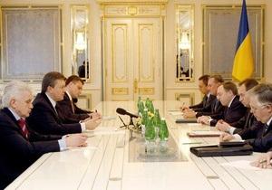 Янукович провел  успешные консультации  о формировании коалиции