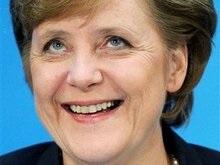 Меркель вручили премию за спасение ЕС
