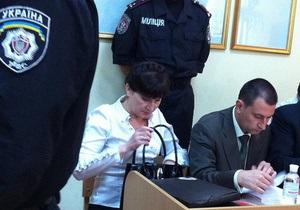 Дебаты по делу Тимошенко начала Фролова. Ей пытались помешать, издавая звуки мычания