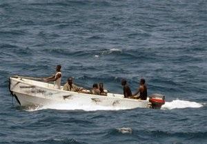 Граждане Украины попали в плен к пиратам возле западных берегов Африки
