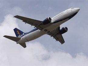 В США Boeing-767 совершил аварийную посадку после отказа двигателя