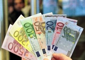 Евро на межбанке упал почти на 10 копеек