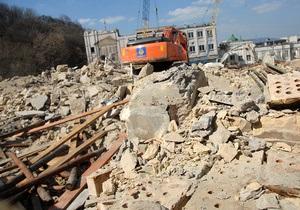 Застройщик Андреевского спуска обещает восстановить фасады снесенных зданий