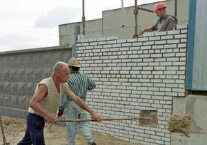 Эксперты: За границей работают около 3 млн украинских мигрантов