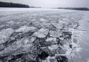 В Черниговской области рыбак провалился под тонкий лед и утонул