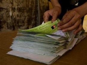 Выборы в Афганистане: Карзая обвиняют в краже голосов