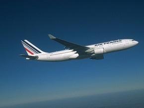 Перед исчезновением самолет Air France попал в грозовую зону