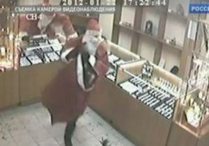 В России три Деда Мороза ограбили ломбард менее чем за минуту