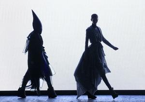 Фотогалерея: Весна и лето 2012. Лучшие показы Paris Fashion Week
