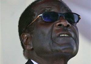 Кортеж Мугабе столкнулся с пассажирским автобусом. Один человек погиб