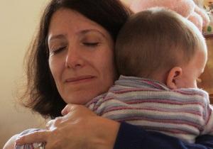Большинство россиян поддерживают запрет на усыновление детей американцами