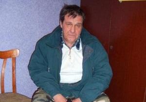 Житель Полтавы, который пытался съесть бюллетень, вновь пришел на участок