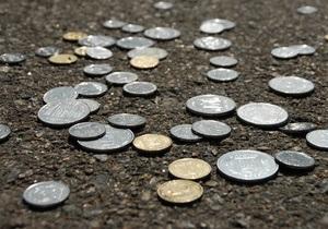 Гривна ослабла на межбанке под напором доллара и евро