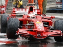 Руководство Ferrari назвало выступление Райкконена позорным