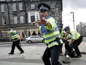 Офицеров лондонской полиции обвинили в применении пыток