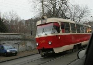 В Киеве на Подоле водитель трамвая избила маршрутчика