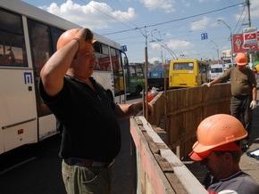 В Киеве временно ограничат движение по улице Зверинецкой