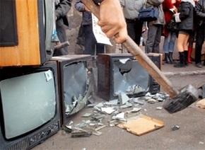 Россия призывает Украину не запрещать российские телеканалы