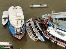 Кораблекрушение в Бразилии: 12 человек погибли