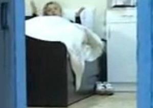 Гособвинитель заявила, что Тимошенко прячет под кроватью тапки на высокой платформе