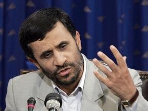 Ахмадинеджад усомнился в возможностях Обамы изменить политику США