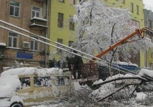 Из-за гололеда в Киеве Черновецкому предлагают уменьшить тарифы ЖКХ